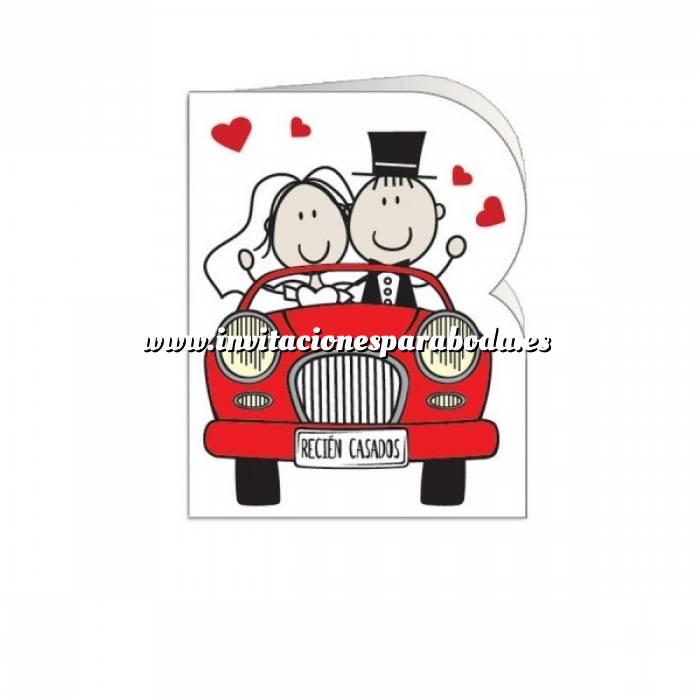 Imagen Etiquetas sin impresión Lámina con 18 Etiquetas con diseño de BODA: Coche rojo acercandose (Recién casados)- Para personalizar a mano (Últimas unidades)
